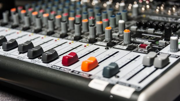 radio-booth-buttons